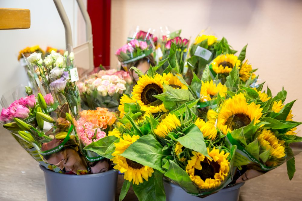 Auch Blumen gehören regelmäßig zum Sortiment.