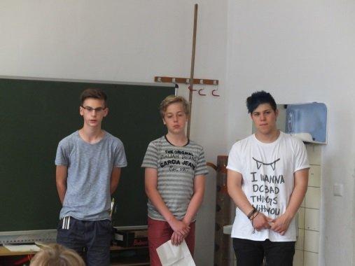 Maximilian Seng, Konstantin Pielmaier und Ediz Dursun geben Tipps für das erfolgreiche Lernen am Gymnasium.