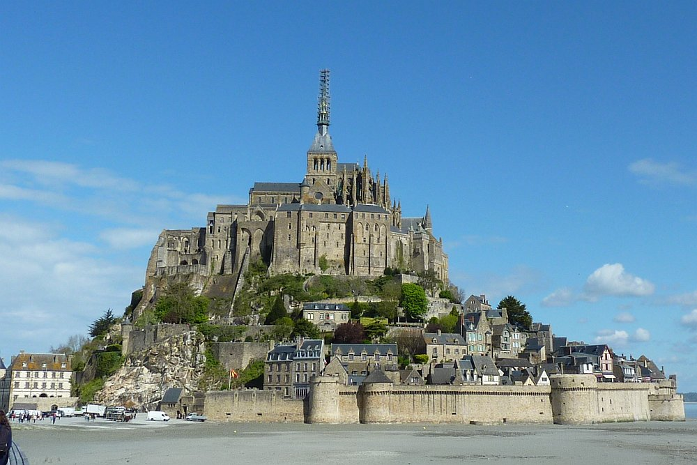 Erster Blick auf den Mont-Saint-Michel. (Foto: Kern)