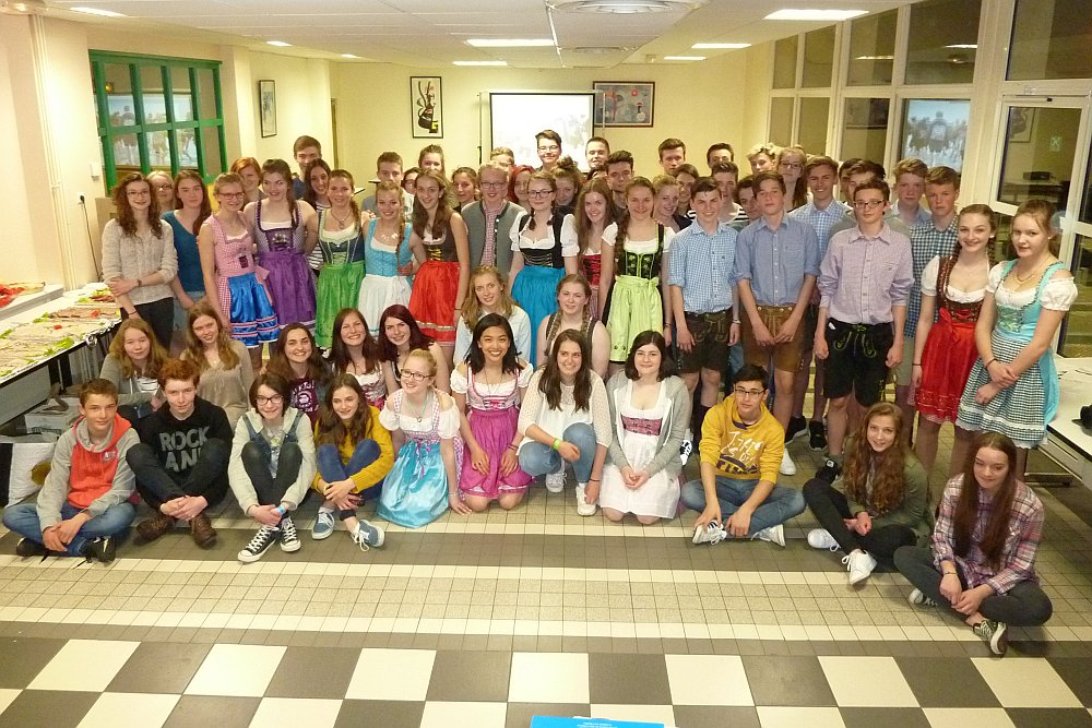 Unsere Luggyaner und ihre französischen Partner am Abschiedsabend - Zeit für ein 'Au revoir!'